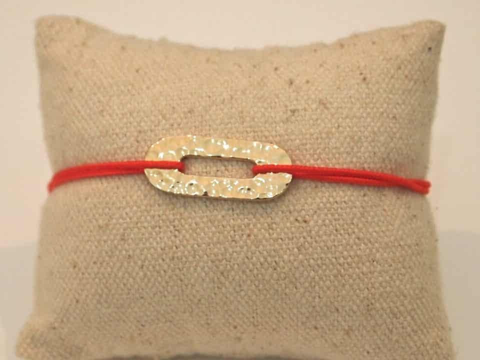 Bracelet cordon ovale martelé plaqué or